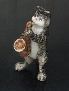 Figurine Animal Ceramic Statue Cat Kitten Playing Saxophone Musical SMC007 2…