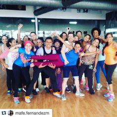 #Repost @mafe.fernandezm @powerclubpanama De esas clases que no quieres que se terminen y te hacen feliz...Bueno así #Domingo  Todos vibrando con una energía  mágica #gentequevibra #YoBailoEnPowerClub #Dance #best #myteam #motivación #acción #energy #tagsforlikes #felicidad #alegría #diversión