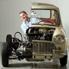 Anniversary of the Mini - Rus Tourism News Classic Mini, Classic Cars, Austin Mini, Alfa Cars, Mini Morris, Minis, British Sports Cars, British Car, Mini Countryman