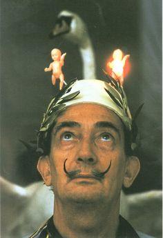 Toujours en Vogue: Salvador Dali's Hats