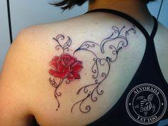 Hummingbird tattoo by Jéssica Paixão