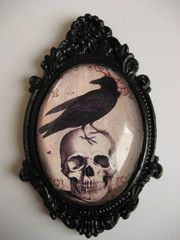 Ornate Skull and Raven Necklace- WANTS!