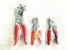 Worldwide free freight - FREE SHIPPING 1 set (3 pcs ) hand tools punch pliers + belt punch + snap button clamp /shoes eyes pliers(Gift 2 colors buttons)