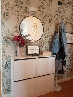 Ideas Recibidor, Ikea Hackers, Diy Outdoor Furniture, Ideas Para, Entrance, Sweet Home, New Homes, Cabinet, Storage