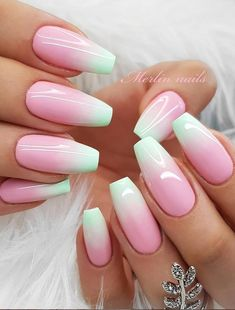 Beautiful Glittering Short Pink Nails Art Designs Idea For Summer And Spring - Lily Fashion Style Short Pink Nails, Manicure Colors, Pink Nail Art, Gradient Nails, Hand Shapes, Fashion Statements, Funky Fashion, Basic Style