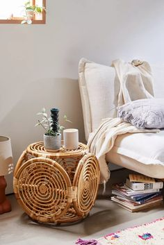 Furniture Layouts With The Lake House 90 Wonderfully Woven And Rustic Rattan Furniture Pieces Your Home Needs Asap Apartment Furniture, Bedroom Furniture, Bedroom Decor, Wicker Bedroom, Console Furniture, Gold Bedroom, Furniture Ads, Brown Furniture, Design Bedroom