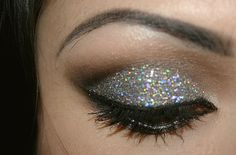 MAKEUP, SPARKLING EYE SHADOW, PRETTY, SILVER, RAINBOW, EYELINER, MASCARA, EYEBROW,