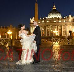 418b0054eff6 La nostra bellissima sposa nel suo abito prezioso di organza ricamata