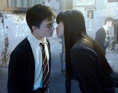 「ハリー・ポッター」の登場人物がキスしたに違いないスポット9