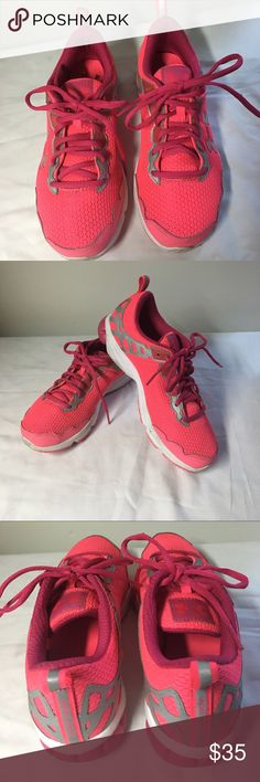 💢UNDER ARMOUR RUNNING SHOES💢 EXCELLENT PRE❤️CONDITION Under Armour Shoes Sneakers