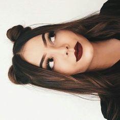 BLOGPEINADOSMODELOS MOSTRANDO PRODUCTOMODELOS DE 35 EN ADELANTE MAQUILLAJE #maquillaje #makeup #belleza