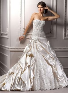 A-line Strapless With Lace Appliques and Ruffles Tulle Wedding Dress WD1794 www.tidedresses.co.uk $380.0000
