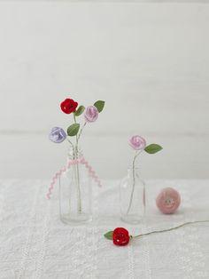 愛と力を授ける花として愛されたバラを、モールで作りました。/見ているだけで、笑顔になるハッピーアイテム(「はんど&はあと」2013年1月号)