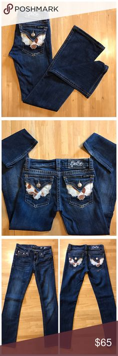 ♏️iss Me Jeans Stylish cowhide back pocket.  Boot cut. Will post inseam shortly. Miss Me Jeans Boot Cut