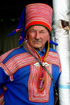 Ebook travel guides and pdf chapters from lonely planet love ebook travel guides and pdf chapters from lonely planet sami people of lapland lonely fandeluxe Document