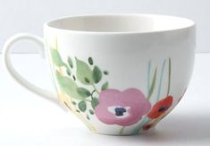DIY Creative Painted Mug :: Using Pebeo Porcelain 150 markers/colors (Sharpie markers and regular paint will wash off in the dishwasher) Painted Coffee Mugs, Hand Painted Mugs, Painted Cups, Pottery Painting, Ceramic Painting, Diy Painting, Pebeo Porcelaine 150, Diy Becher, Anthropologie Mugs