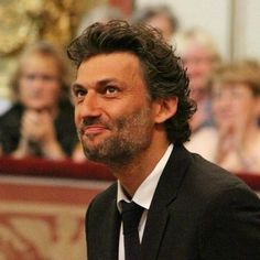 Who is back? ❤ our dear Jonas Kaufmann! I feel sooo happy for him ❤ you can see him in Lohengrin (18 January, Paris) #jonaskaufmann #tenor #wagner #opera #paris #singer