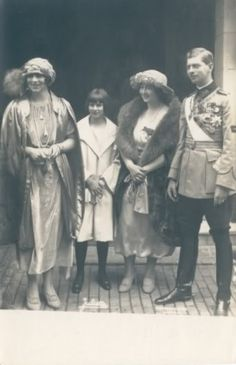 Ileana with her sister Mignon, brother Carol and sister-in-law Helen. Romanian Royal Family, Greek Royal Family, Sister In Law, Kaiser, Queen Victoria, Descendants, Little Princess, Vintage Photos, The Past