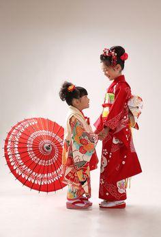 七五三や家族写真の撮影プラン | アトリエ木下 関東 Japanese Costume, Japanese Kimono, Japanese Art, Girls Day Japan, Japan Fashion, Kids Fashion, Geisha Japan, Oriental Fashion, Japanese Outfits