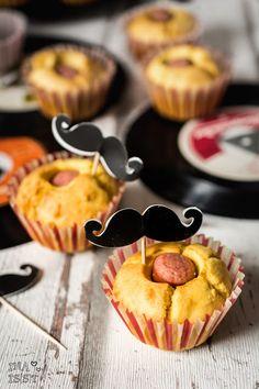Ina is(s)t – Maismehl-Muffins mit Würstchen - Rezept für Blogevent Finger & Snacks