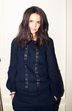 How to copy Katie Holmes' loose waves.