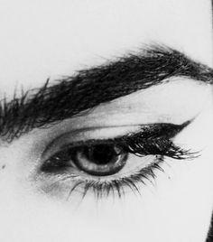 Silver eyes always watching Modigliani, Morgana Le Fay, Hawke Dragon Age, Miranda Lawson, Audrey Horne, Tv Movie, Takashi Shirogane, Fallout, Yennefer Of Vengerberg