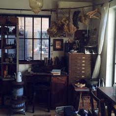 女性で、3LDKのDIY/カメラ/窓枠/懐かしい風景/ブリキ/文房具…などについてのインテリア実例を紹介。「鉄枠風の窓枠を付けました」(この写真は 2014-11-21 19:02:22 に共有されました)