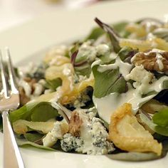 Spinach salad with blue cheese pears and walnuts- INA PAARMAN South African Recipes, Ethnic Recipes, Kos, Spinach Salad, Blue Cheese, Dried Fruit, Pears, Potato Salad, Salad Recipes
