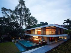 ONG have designed the JKC1 house in Singapore.