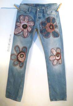 boho jeans uomo,denim,decorati,jeans fiorati,jeans riciclati,stoffa riciclata,fiori di jeans,ricamati,arte riciclo,arte tessile,upcycled p1 di decorandom su Etsy