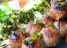 Grilled Meatballs with Rice Vermicelli (Bun Nem Nuong) (Yields Entrée Portions) Meatball marinade: 1 lb minced pork Fish sauce & salt . Pork Recipes, Asian Recipes, Diet Recipes, Cooking Recipes, Healthy Recipes, Grill Recipes, Recipies, Meatballs And Rice, Pork Meatballs