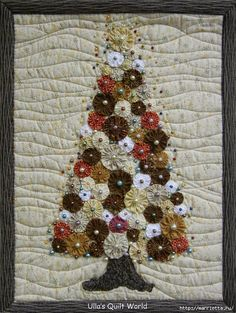 Панно с елочкой и салфетки из цветочков ЙО-ЙО (3) (527x700, 395Kb)