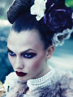 Karlie Kloss on Vogue Germany; Christie Brinkley's Skin Line Eye Makeup, Beauty Makeup, Hair Makeup, Hair Beauty, Catwalk Makeup, Glamour Makeup, Glamour Beauty, Beauty Box, Makeup Inspo