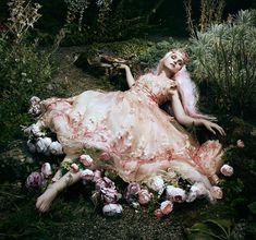 An enchanted forest Sleeping Beauty fantasy photo shoot by Bella Kotak with embroidered tulle Coraline wedding dress by Joanne Fleming Design Editorial Photography, Fine Art Photography, Fashion Photography, Fairy Tale Photography, Dark Fantasy Photography, Ethereal Photography, Photography Magazine, Bella Kotak, Elfa