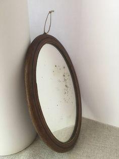 French vintage oval mirror, in wood, 19th de la boutique VintagedeFrance sur Etsy