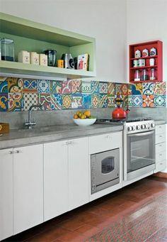 carrelage-patchwork-plan-de-travail-blanc