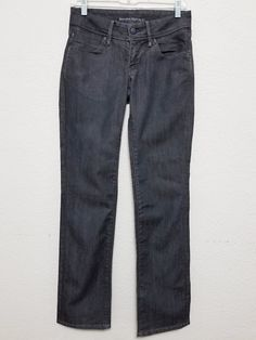 17 Best Women Work Pants – Great Outfits for Working Women White Denim Jeans, Denim Pants, Women's Jeans, Jeans Size, Cargo Shorts Women, Pants For Women, Best Work Pants, Bright Pants, Khaki Slacks