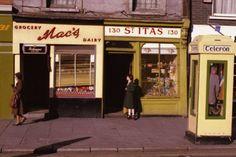 130 Thomas St, oldest house in Dublin, built 1639 Ireland Pictures, Old Pictures, Old Photos, Dublin Street, Dublin City, Dublin House, Grafton Street, History Posters, Ireland Homes