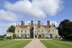 Country House Wedding Venue - Set in 2,000 acres of parkland, this fabulous wedding venue in Sussex has amazing views over its lake. A magical setting for a wedding!