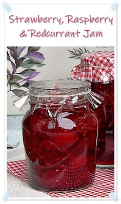 Strawberry, Raspberry & Redcurrant Jam - a delicious, no added pectin recipe! A great way to preserve those summer fruits! #strawberryjam #strawberryjamrecipe #strawberryjamrecipenopectin #berryjam #berryjamrecipe #strawberryraspberryredcurrantjam #raspberryjam #redcurrantjam #berryjamrecipe #berryjamrecipenopectin #nopectinjam #nopectinjamrecipes Strawberry Jam Recipe No Pectin, Pectin Recipe, Strawberry Recipes, Jelly Recipes, Jam Recipes, Vegan Recipes Easy, Dinner Recipes, Canning Recipes, Fruit Recipes