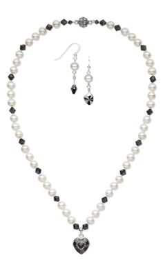 Single-Strand Necklace and Earring Set with Swarovski Crystal Beads and Cultured Freshwater Pearls