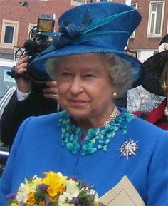 Heute ist die Queen In Sheffield (bei hoffentlich besserem Wetter als bei uns!), um das Maundy Money zu verteilen. Was das ist? Mehr dazu in unserem Blog. Bildquelle: commons.wikimedia.org