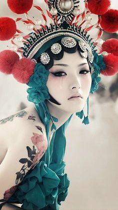 Costume.                          L'Opera de Pékin