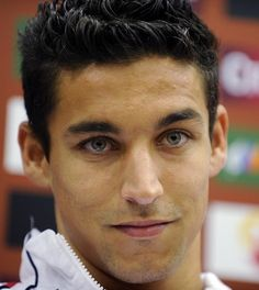 Jesús Navas González is a Spanish footballer who plays for Sevilla FC in La Liga. He is a great player and he has an amazing eyes. Spanish Football Players, Soccer Players, Football Couples, Football Soccer, Football Motivation, Middlesbrough Fc, Legends Football, Athletic Men, Shirtless Men