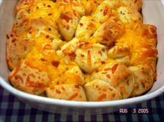 Bacon 'n Cheddar Bubble Bread -  I'll have to try this one some time.  This looks like a really simple recipe that uses two of my absolute favorite ingredients: cheddar cheese and bacon.