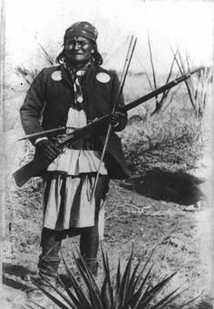 Goyahkla (aka One Who Yawns, aka Jerome, aka Geronimo) - Chiricahua Apache - 1886