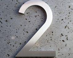 Modernes Hausnummer acht 8  Nummer ist aus recycelten 3/8 Aluminium gefertigt. Jede Zahl hat eine gebürstete Oberfläche mit einer klaren Schutzschicht, die die extremen Bedingungen standhalten wird.  Was ist mit dem Kauf erhalten: Qty 1 eine 8 - moderne Hausnummer in moderner Schriftart mit gebürstetem Finish ausgeglichen Hardware und Installation Vorlage.  Andere Größen und Schriftarten zur Verfügung, darunter Briefe.  Technische Daten Material:. 375 Recycling-Aluminium Finish: Brushed ...