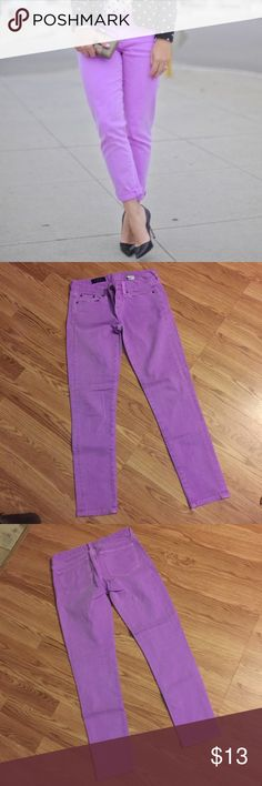J Crew ankle jeans 🎁FREE GIFT WITH PURCHASE🎁 Super cute color! Toothpick ankle jeans 💜 🎁FREE GIFT WITH PURCHASE🎁 J. Crew Jeans Ankle & Cropped