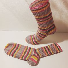 Socken Gr.36. Material: 75% Schurwolle, 25% Polyamid. Pflege: 30° Maschinenwäsche. Preis: 16€  erhältlich auf: www.hauben-und-socken.at Material, Fashion, Hoods, Nursing Care, Moda, La Mode, Fasion, Fashion Models, Trendy Fashion