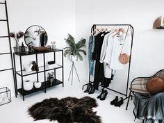 Dressing Room Decor Ideas Walk In Wardrobe Inspo Minimal Style Interior Style Id. - Home Design Romantic Room Decoration, Romantic Bedroom Decor, Modegeschäft Design, Dressing Room Decor, Interior Styling, Interior Design, Minimalist Room, Small Room Bedroom, Bedroom Styles